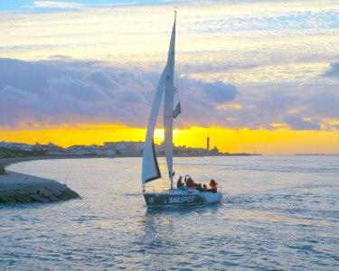 Sunset Sailing | Veleiro Exclusivo c/ Espumante para Dois | Aveiro