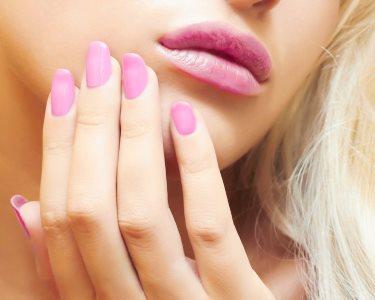 Unhas de Gel: 1ª Aplicação ou Manutenção c/ Manicure | Oeiras