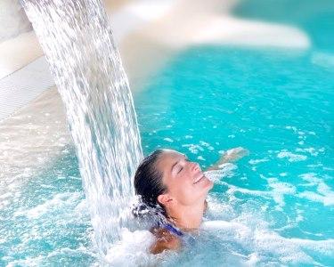 Talassoterapia em Piscina Água do Mar & Massagem | 2 Pessoas | Costa de Caparica