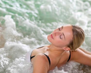 Para Mulheres Especiais: Facial & Back Massage c/ Spa | 2 Vila Galé