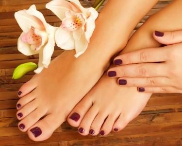 Perfect Nails: Manicure & Pedicure Completas | 2 Sessões | Porto