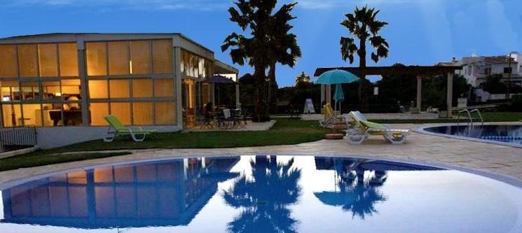 Apartamentos Sta. Teresinha | Algarve - 2, 3, 5 ou 7 Noites em T1 | até 4 Pessoas