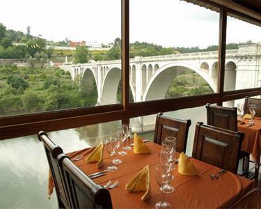 Jantar Romântico com Vista Rio | Ponte de Pedra - Marco de Canaveses
