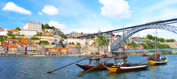 Urban Hotel Amadeos | Douro Apaixonante! 1 a 5 Noites + Cruzeiro das 6 Pontes