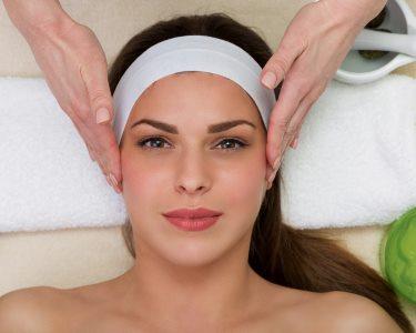 Pele Cheia de Vida! Limpeza c/ Extracção & Massagem Facial | Areeiro