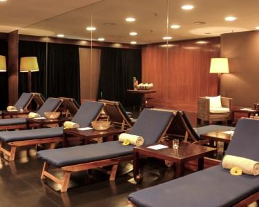 Luxury Spa Day by Holiday Inn Porto: Circuito de Águas + Massagem | 1h30