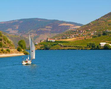 Best of Douro! Apaixonante e Exclusivo Passeio de Veleiro para Dois