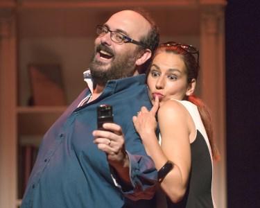 «Eu, Tu e a Terapeuta» | Comédia Romântica no Teatro Armando Cortez!
