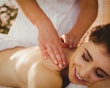 Bem-Estar e Beleza! Massagem de Relaxamento e Mini Facial | 45 Min. | Porto