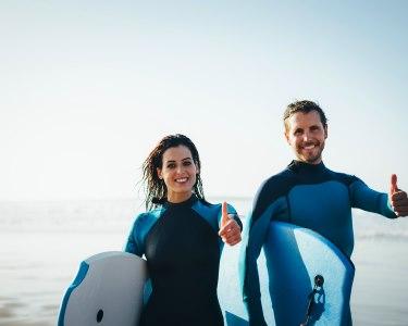 Diversão nas Ondas! Aula de Bodyboard para Dois - 1h | Surf Atitude | Espinho