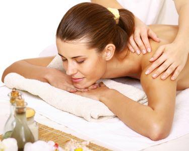Massagem ou Esfoliação e Hidratação Corporal | Estefânia