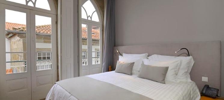 EMAJ Boutique Hotel 4* | Guimarães - Noite de Luxo | Outubro