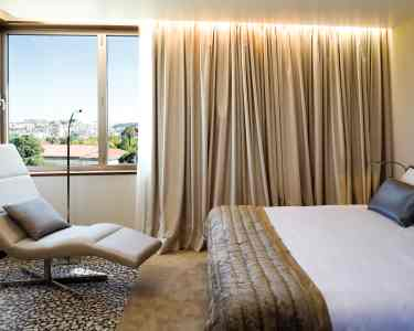 Hotel Neya | 1 Noite com Jantar