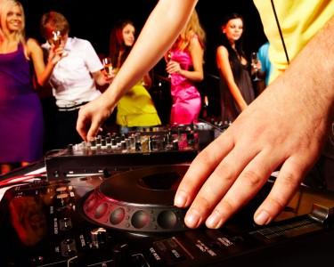 DJ por 1 dia: Aula Privada + Actuação ao Vivo | 2 Horas | V. N. Gaia