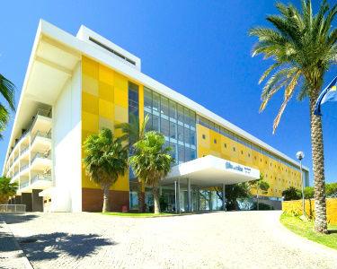 Alto da Colina Aparthotel 4* | Albufeira - Noite até 4 Pessoas & Piscina Interior