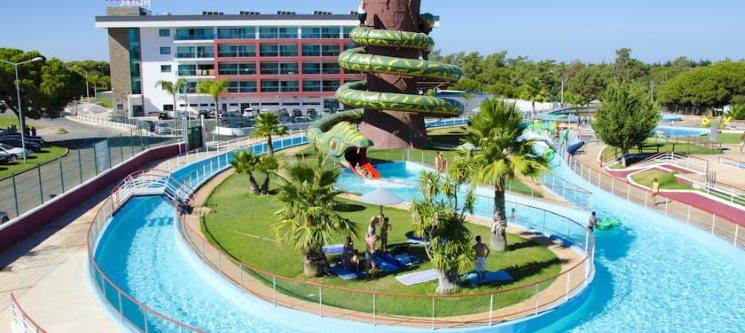 Aquashow Park Hotel 4* - Algarve | Noite & Entradas no Parque Aquático