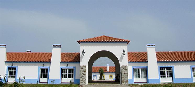 Casas de Miróbriga | Costa Alentejana - 1 a 7 Noites em Quarto Duplo ou Apartamento T1