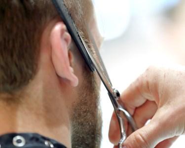 Ritual para Homem | Corte + Massagem + Tratamento Anti-Queda + Styling | 1h | Clinica do Rato