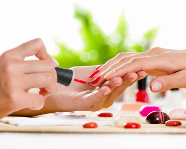 Manicure Completa com Verniz Gel | 2 Sessões | Rato