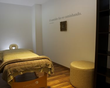 Massagem com Óleos Quentes & Essências de Mel | 1 Pessoa | 50 minutos | Príncipe Real, Lisboa