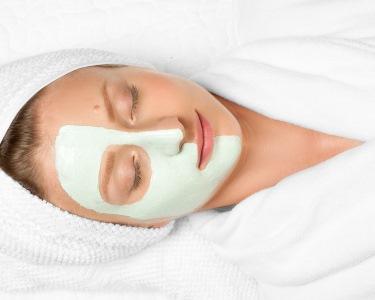 Spa Facial: Limpeza de Pele c/ Opção Extracção & Hidratação | Junto Pq. Nações