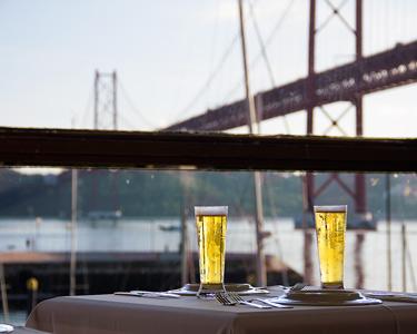 Lanche Delicioso & Bebidas c/ Vista Rio para Dois | Havana Club