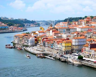 Passeio TukTuk com Guia + Actividade para Dois | 4 Horas | Sinta a Alma do Porto!
