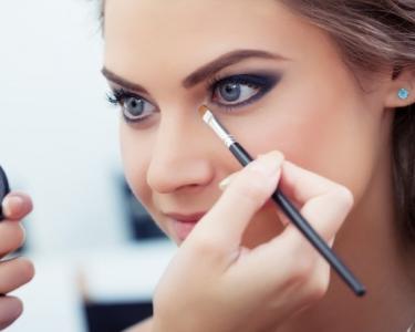 Workshop Auto-Maquilhagem «Look Olhos Esfumados» | Dolce Vita Tejo