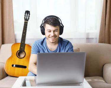 Curso Online de Guitarra | 3, 6 ou 12 Meses | Entre no Mundo da Música!