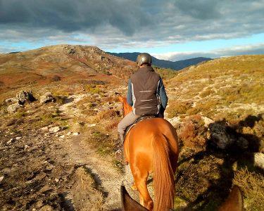 Um Dia no Gerês a Dois! Passeio a Cavalo + Caminhadas + Almoço + Fotos e Vídeos