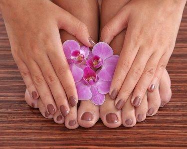 Manicure e Pedicure Completas c/ Opção Verniz Gel | Ermesinde