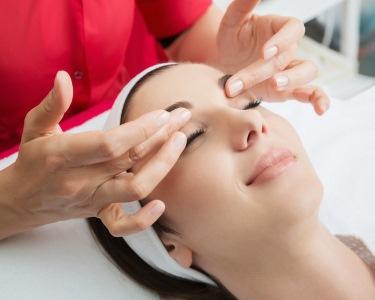 Rosto Sem Imperfeições! Limpeza + Peeling Ultrassónico + Massagem | 1h30 | Matosinhos