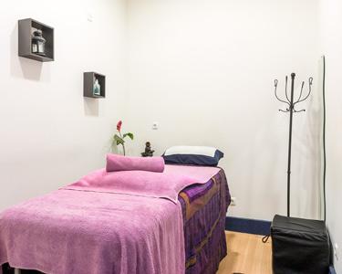 Massagem Corpo Inteiro à Escolha | Relax, Óleo, Aroma ou Velas! LxLife