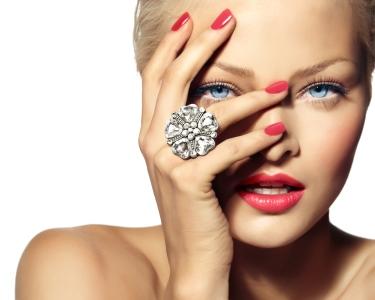 Manicure & Pedicure + Spa Facial c/ Peeling Ultra-sónico! Av. de Roma