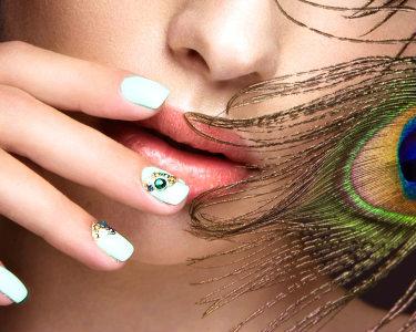 Tons da Moda! Manicure c/ Verniz Gel ou Gel e Opção Pedicure | Alverca