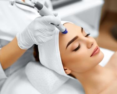 Limpeza de Pele c/ Peeling Ultrasónico + Hidratação ou Radiofrequência | Openbeauty Azeitão
