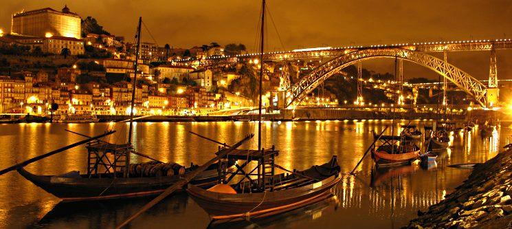 Hotel Royal Porto City | 1 ou 2 Noites c/ Cruzeiro das 6 Pontes e Visita às Caves