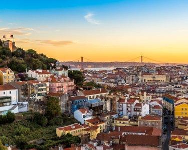 Sunset Tour Lisboa | Tuk Tuk c/ Ginjinha e Pastéis de Nata | Até 6 Pessoas | 2h30