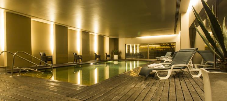 São João da Madeira Business Hotel 4* | Noite Romântica & Piscina Interior c/ Opção Jantar