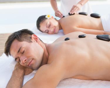 Presente para Dois | Massagem de Costas de Pedras Quentes + Sauna e Jacuzzi | Estoril e Cascais