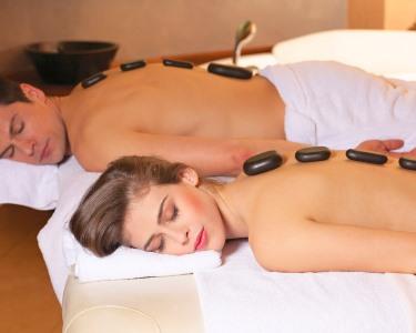Massagem Pedras Quentes de Corpo Inteiro + Sauna para Dois | Spavenwe Cascais