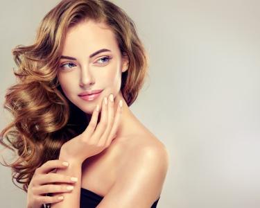 New Look! Coloração Premium s/ Amoníaco + Corte & Brushing | Opção Manicure | Lisboa