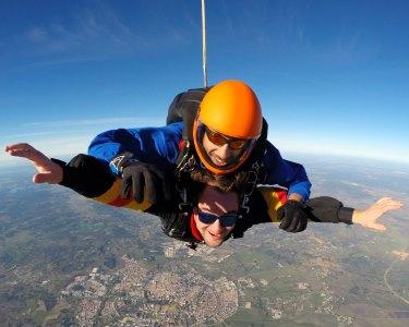 Salto Tandem em Évora a 3000m | Skydive - A Aventura de uma Vida!