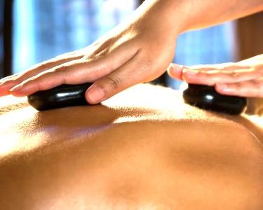 Massagem Relax Deluxe - Pedras Quentes | 1h | TopClinic Boavista