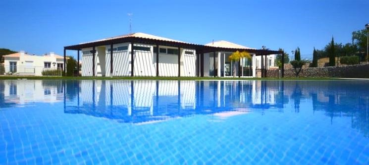 Villas Mourim Algarve | Carvoeiro - 7 Noites em Villa T1 ou T2 p/ 3 ou 5 Pessoas