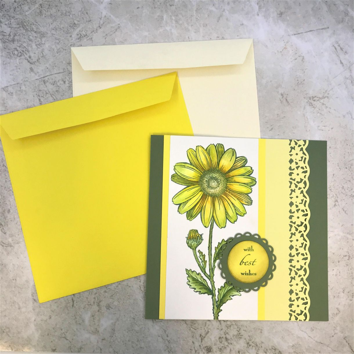 How To Make A Large Yellow Daisy Card 1