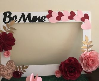 A Valentine's Day Themed Selfie Frame