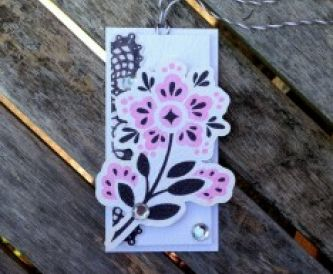 Papercraft Tutorial - How to make a floral gift tag