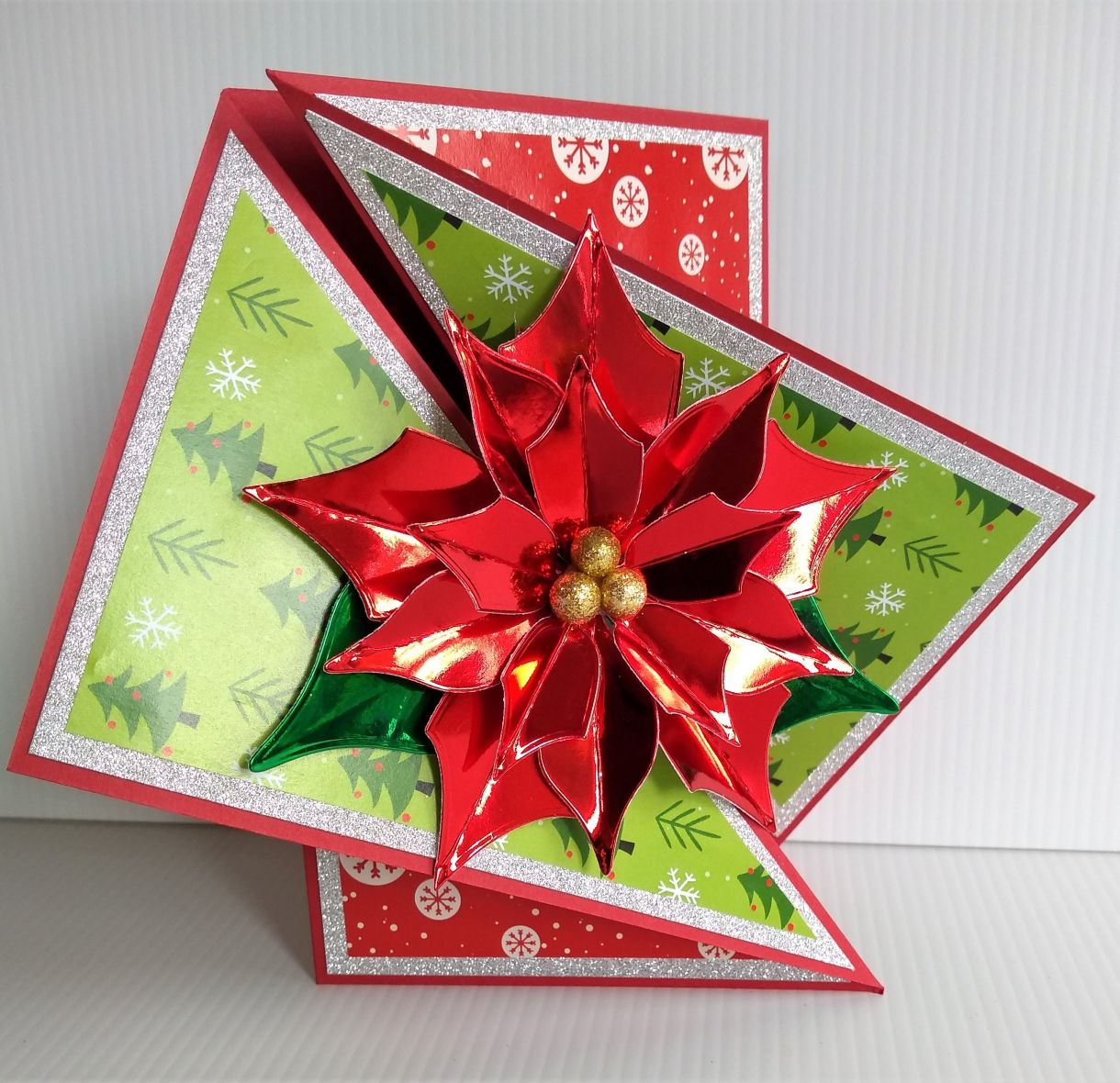 Poinsettia Twist Fold Card 2