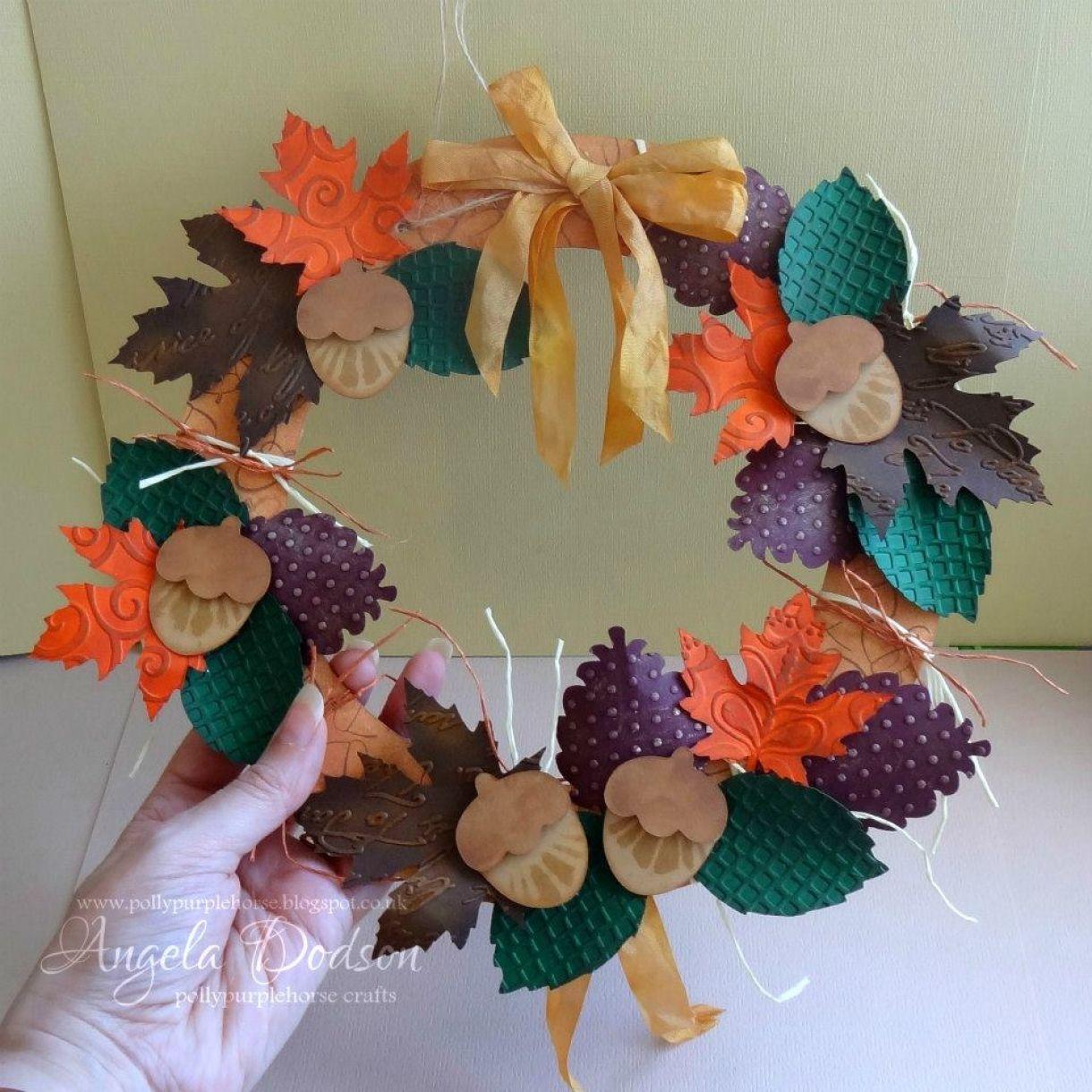 Autumn Paper Crafts Leaf Wreath 1